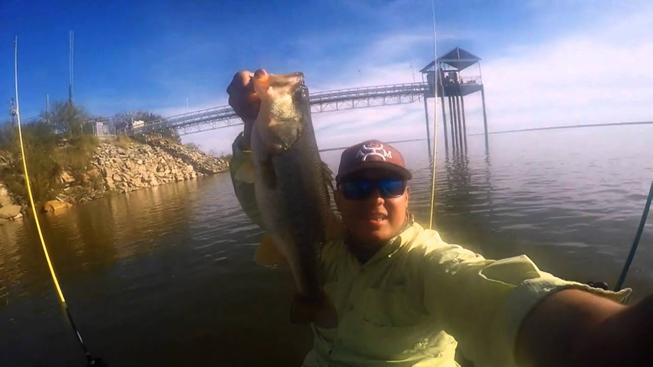 Kayak bass fishing falcon lake lake casa blanca 2 9lb 5lb for Falcon lake fishing