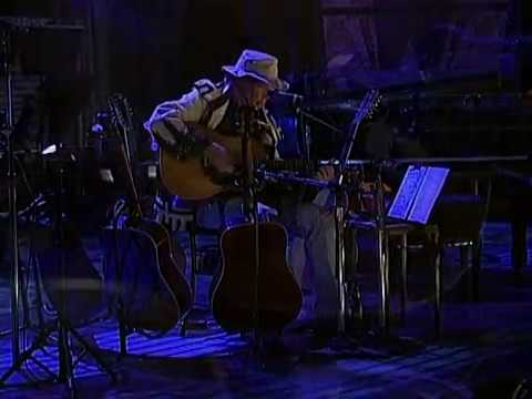 Neil Young - Don't Let it Bring You Down (Live at Farm Aid 2004)