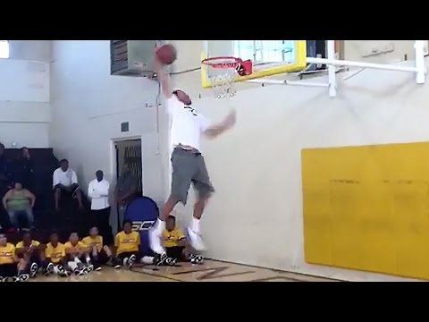 Stephen Curry's Sick 360 Dunk