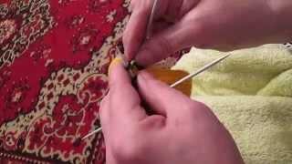 Вязание спицами для самых маленьких рукавички-интересным узором