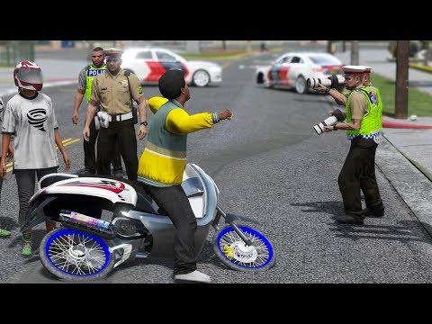di Tilang Polisi Pria Ini Ngamuk Banting Motor - GTA 5 Kocak Parody