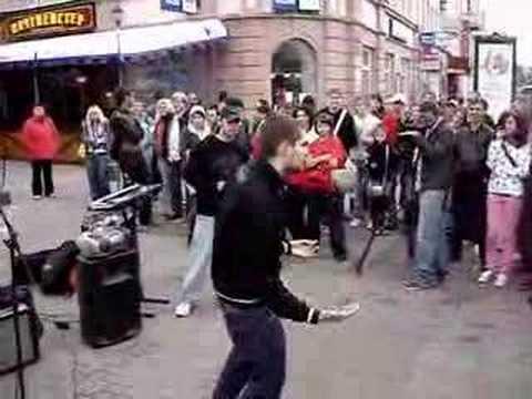 Noize MC - 02 Фристайл (feat. Miles) (Arbat, 01.06.2008)