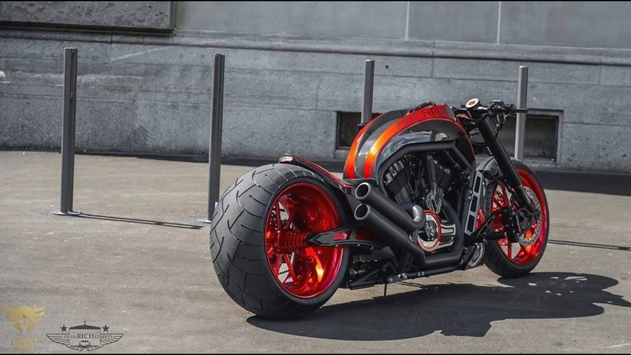 Harley Davidson USA V Rod 360 tire muscle custom - YouTube