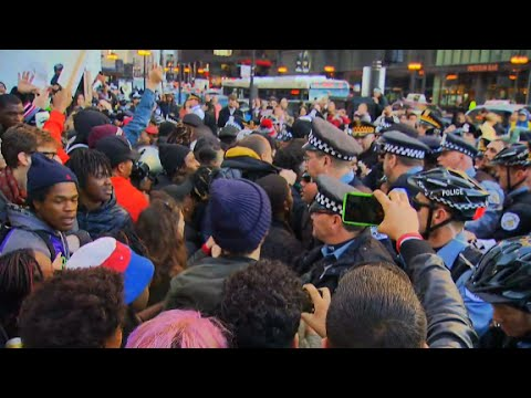 Chicago protesters break