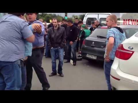 'Дагестанцы избивают полицейского'