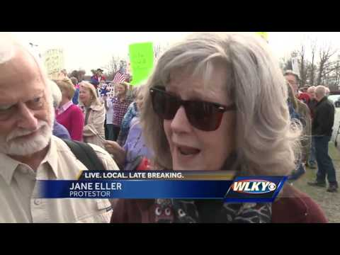 Protesters turned out as McConnell spoke in Lawrenceburg