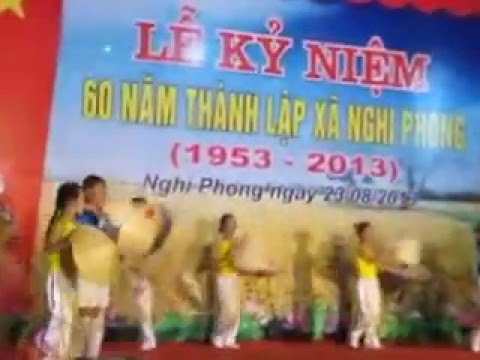 múa văn nghệ thiếu nhi (xóm phong phú -hội trại hè 2013