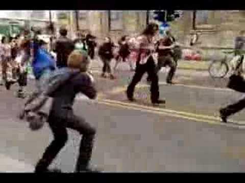 zombies-vs.-soldiers-warsaw-2008-zombie-walk