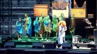 Björk   Nîmes   2012 06 27   Hidden Place + Crystalline
