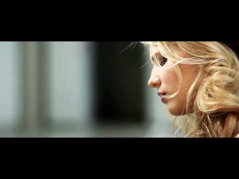 Laura Rizzotto - TEARDROPS (Official Music Video)