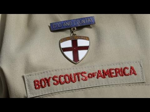 Top Boy Scouts Official Urges Change on Gay Ban