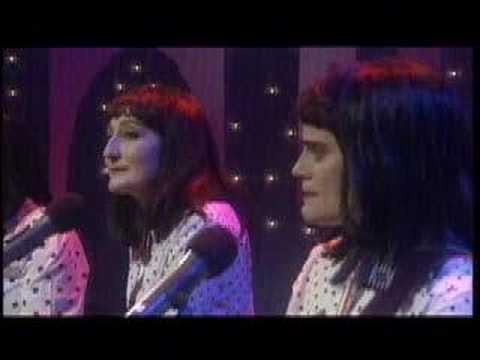 Kransky Sisters - Single Bed