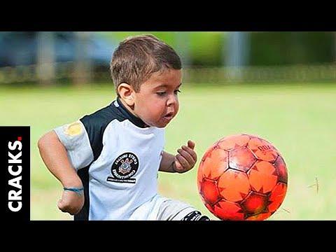 Tiene 7 años y hace suspirar a clubes con su talento para la pelota