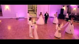 Проход Жениха и Невесты за праздничный стол