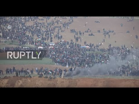 Israel: Israeli soldiers face off with thousands of Palestinians on Gaza border