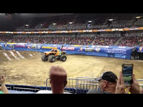 Monster Truck Scooby Doo spin out, kid has toy monster truck