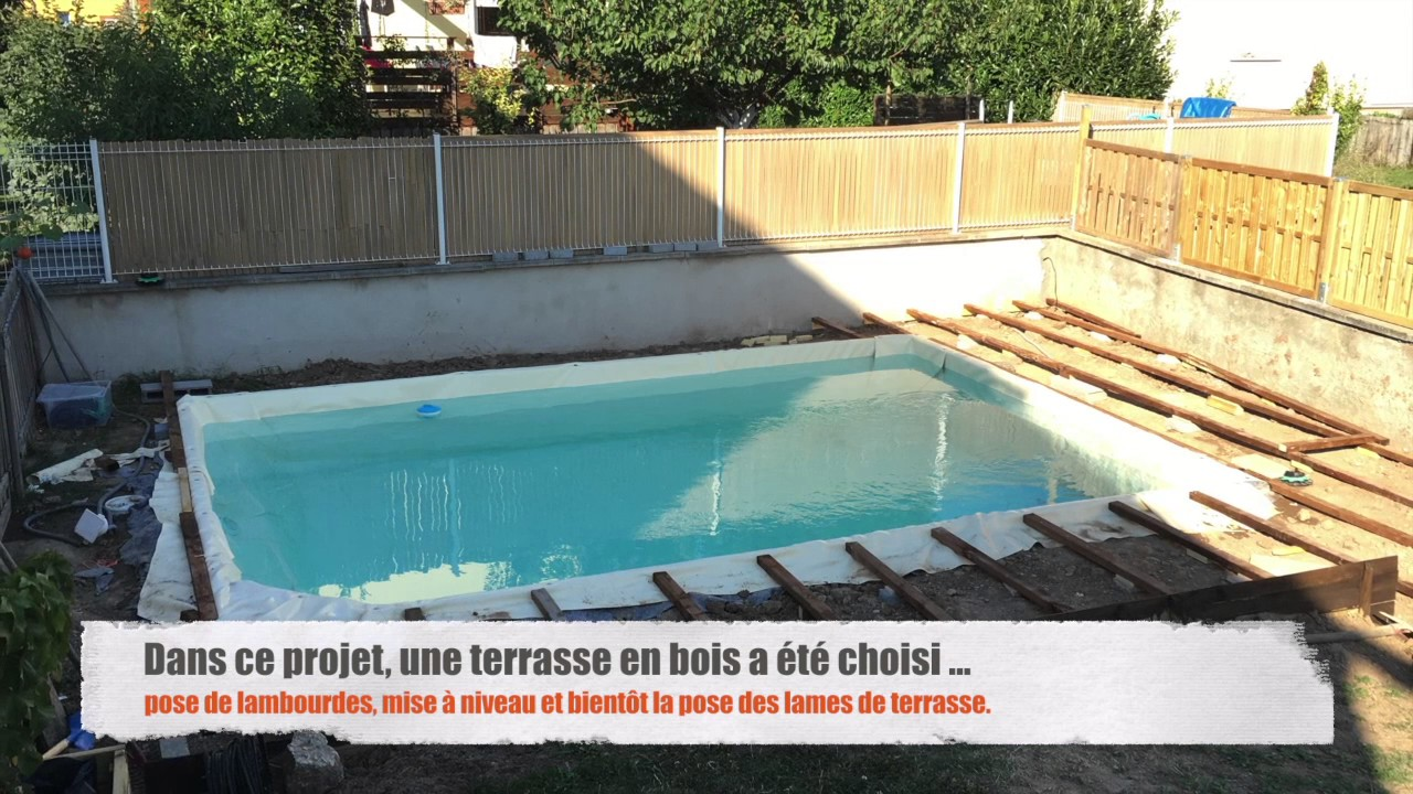 Piscine pas ch re g omembrane youtube for Piscine semie enterree pas chere