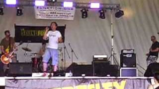 Weekend Song by Pigfinger @ Keresley Festival.AVI