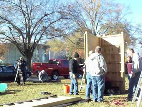 Winter Solstice Holiday Display Erection at Arkansas State Capitol
