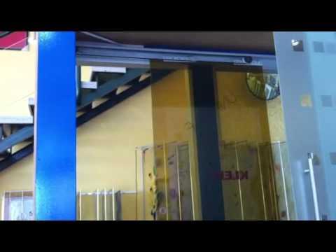 Puerta corredera unikself youtube for Cristaleria benissa