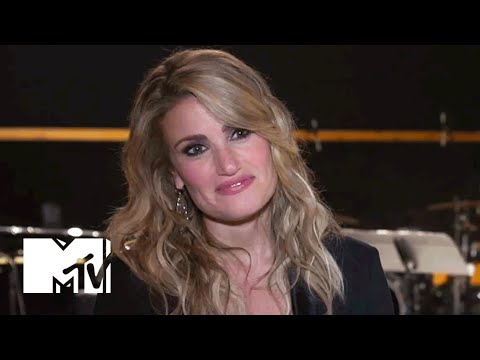 Idina Menzel Talks World Tour, 'Frozen 2' Expectations | MTV News