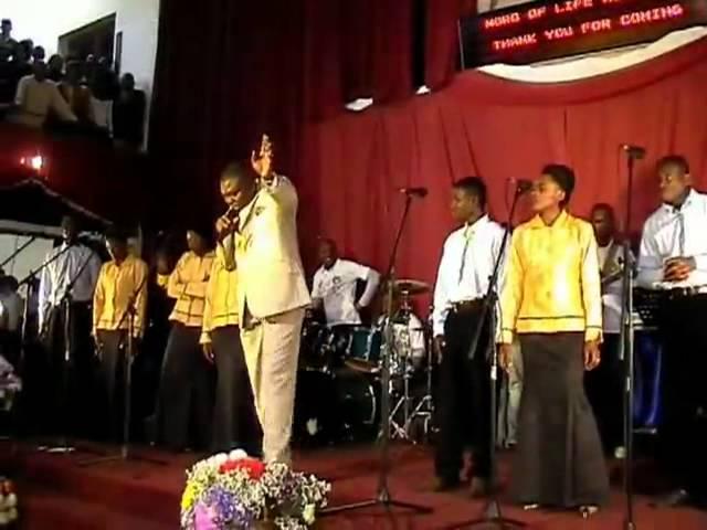 Lifoko Du Ciel Live A Joburg, 2006   VideoTabernacle com
