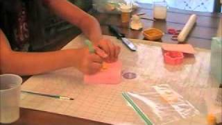 How to make 2 gum paste flowers