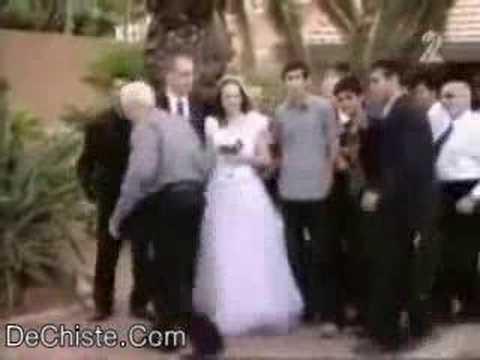 Sacando las fotos de boda con humor (DeChiste.Com)