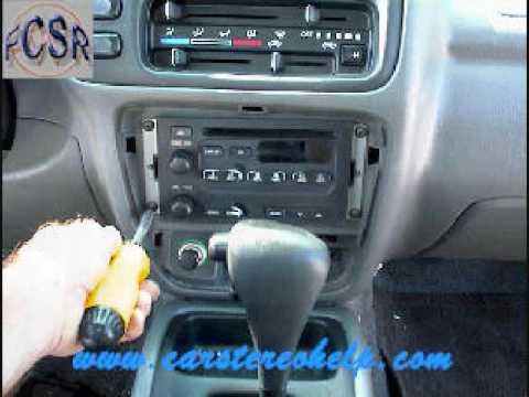 hqdefault chevrolet tracker stereo removal 1998 2004 youtube  at panicattacktreatment.co