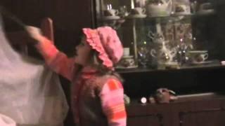 Настя - красная шапочка.wmv