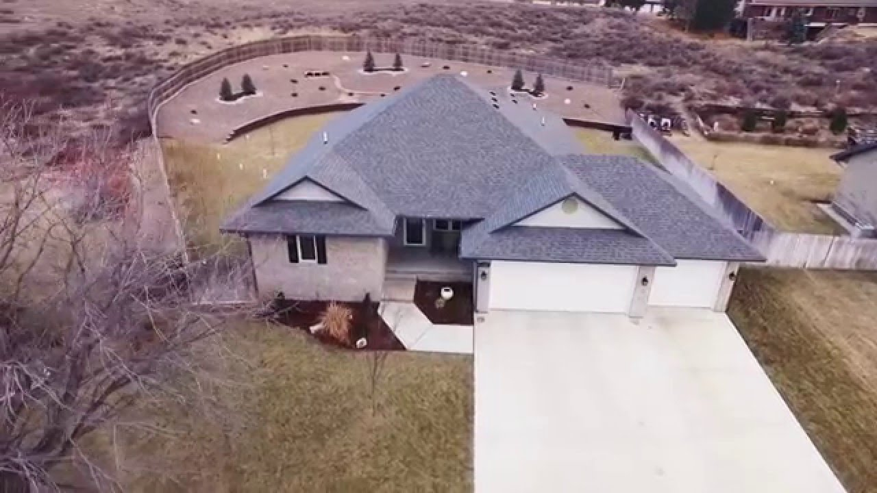 Superior Custom Built Home In The Southwind Country Club Estates In Garden  City, KS