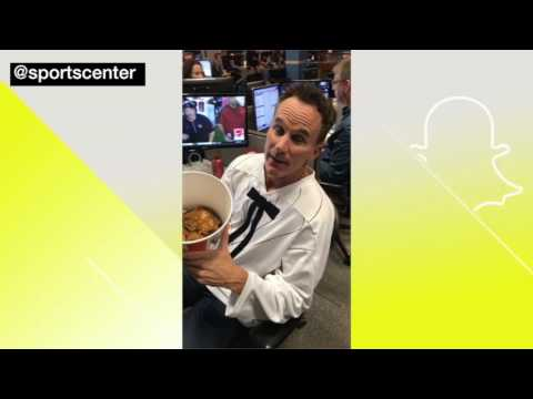 John Buccigross Sets Personal Chicken-Eating Record | ESPN Archives