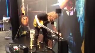 Namm 2013 - LAG guitars