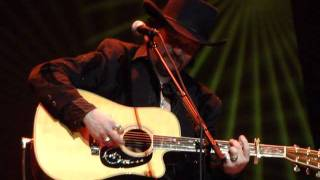 "Travis Tritt ""500 Miles Away From Home"""