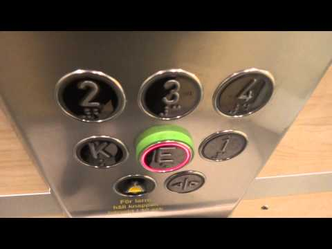 Motala Hissar Chain Drived elevator @ Våggatan 17A, Bollnäs, Sweden.
