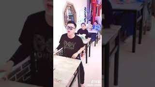 Soái ca đập bàn rồi hát hot Tik Tok Trung Quốc [P2]