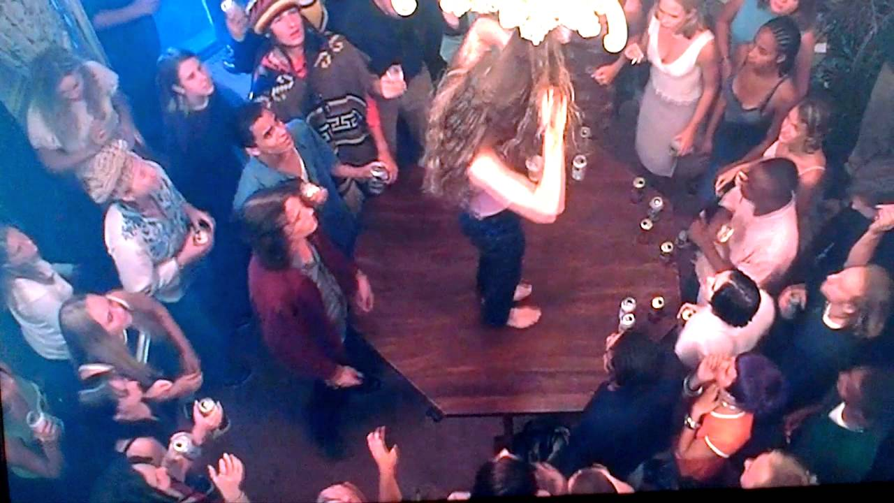 10 Things I Hate About You Scenes: Julia Stiles Dancing