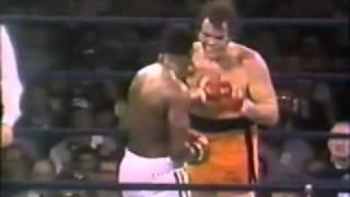 Larry Holmes vs Tex Cobb - 2/4