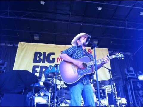 CNY's Blaine Holcomb Talks About Playing Tootsie's in Nashville With Justin Moore