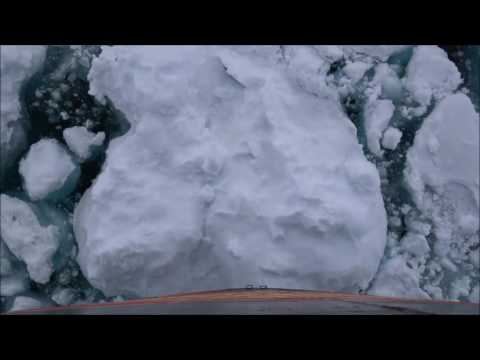 Voyage to the north pole - Into the pack ice