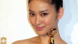 女優の武井咲さんが映画「今日、恋をはじめます」(古澤健監督)で「第2...