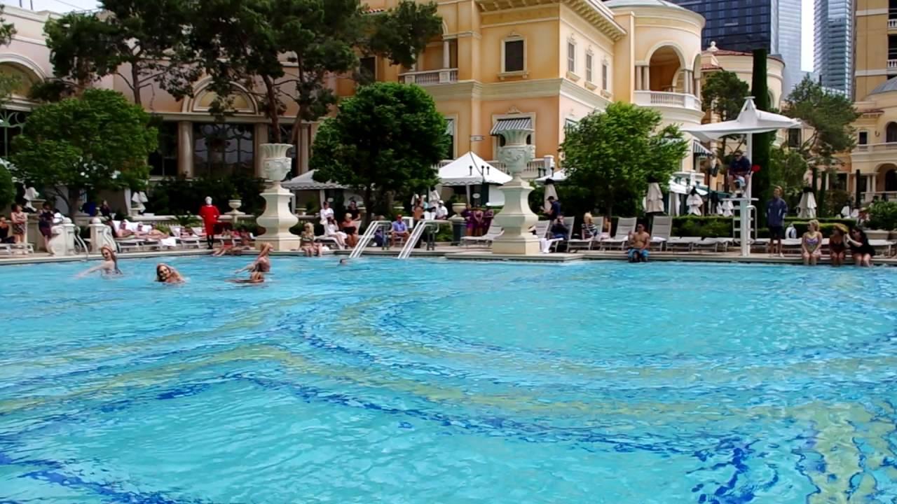 A Surprise 39 O 39 Cirque De Soleil Event At The Bellagio Pool Youtube