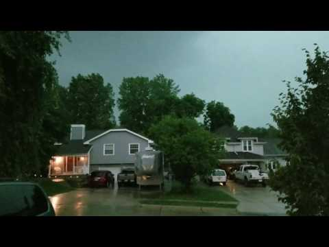 Strong Storm (Confirmed Tornadic) Bellevue, NE (6/16/2017) Part 1