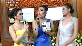 (Yuki Kato, Ayu Dewi, Nycta Gina) Opening Show Miss World 2013 Indonesia