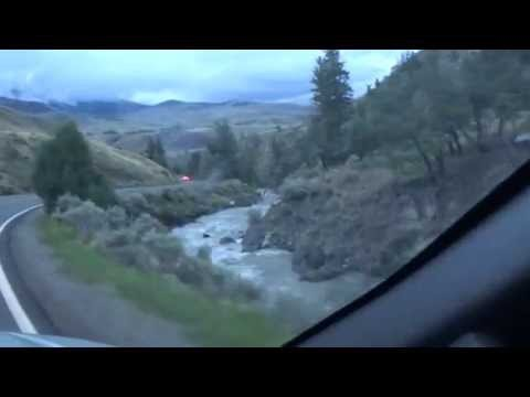 Yellowstone NP Beautiful Drive thru Mammoth Hot Springs to Gardiner Montana