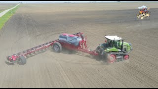 NEW FENDT 943 Vario Tractor pulling a Horsch Planter in Illinois