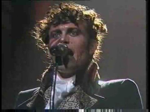 Adam & The Ants, Don't be square (be there), live