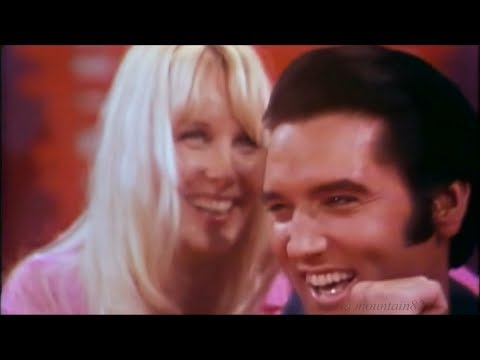 Elvis Presley - Are You Lonesome Tonight (laughing version -live 08 26, 1969)