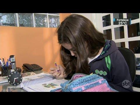 Criança brasileira é a segunda mais estressada no mundo dentro da escola | SBT Notícias (26/10/17)