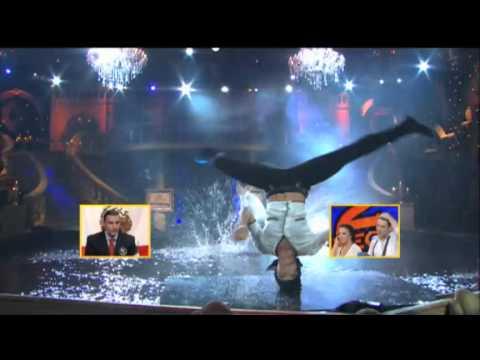 Inglaterra - Bajo la Lluvia - Segundo Campeonato Mundial de Baile (HD) 30/05/10